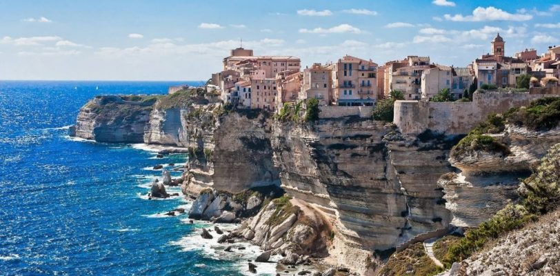 bonifacio-corse-sardegna-yacht-charter-luxury-trips-corsica7